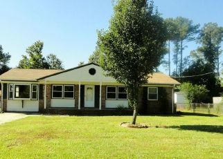 Pre Foreclosure in Jacksonville 28546 YORKSHIRE DR - Property ID: 1611078308