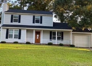 Pre Foreclosure in Jacksonville 28546 STERLING RD - Property ID: 1611090129