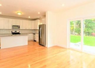 Pre Foreclosure in Mattapan 02126 STANDARD ST - Property ID: 1611313502