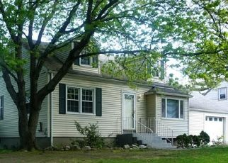 Pre Foreclosure in Milford 06460 HOOVER ST - Property ID: 1611667834