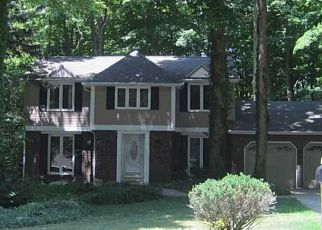 Pre Foreclosure in Orchard Park 14127 BRIAR HILL RD - Property ID: 1612089593