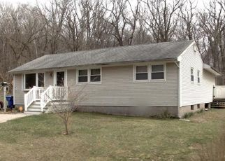 Pre Foreclosure in East Hartford 06108 BEACON HILL RD - Property ID: 1612435594