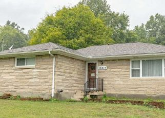 Pre Foreclosure in Fairdale 40118 W MANSLICK RD - Property ID: 1612988314