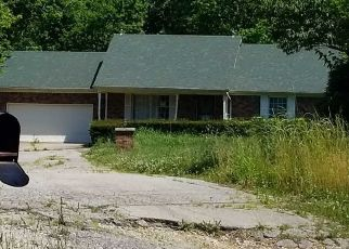 Pre Foreclosure in Shelbyville 40065 TAYLORSVILLE RD - Property ID: 1612991378