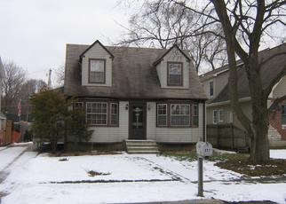 Pre Foreclosure in Geneva 60134 SYRIL DR - Property ID: 1613177973
