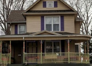 Pre Foreclosure in Muscatine 52761 PARK AVE - Property ID: 1613359722