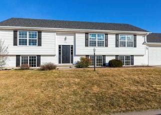 Pre Foreclosure in Eldridge 52748 NICHOLAS DR - Property ID: 1613385111