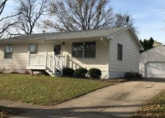 Pre Foreclosure in Cedar Rapids 52404 29TH ST SW - Property ID: 1613426734