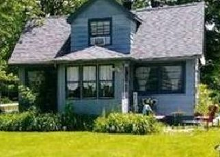 Pre Foreclosure in Tinley Park 60477 HIGHLAND AVE - Property ID: 1613593597