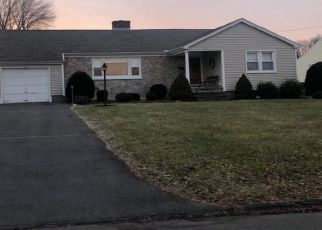 Pre Foreclosure in Wethersfield 06109 DARWELL DR - Property ID: 1613894932