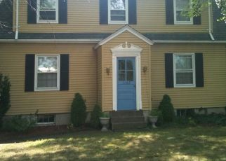 Pre Foreclosure in Bloomfield 06002 BLUE HILLS AVE - Property ID: 1613906754