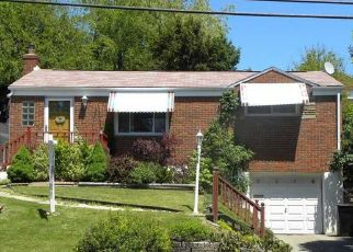 Pre Foreclosure in Pittsburgh 15236 GARDENVILLE RD - Property ID: 1614156838