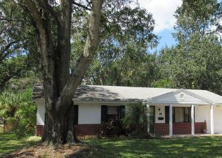Pre Foreclosure in Tampa 33615 CRESTHILL CT - Property ID: 1614568528
