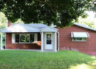 Pre Foreclosure in Mc Kees Rocks 15136 KENRIDGE DR - Property ID: 1615205785