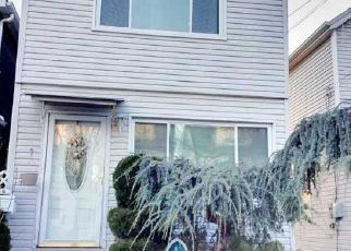 Pre Foreclosure in Ozone Park 11417 ALBERT RD - Property ID: 1615391477
