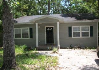 Pre Foreclosure in Starke 32091 N CHURCH ST - Property ID: 1615916612