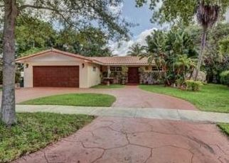Pre Foreclosure in Hialeah 33014 STONEHAVEN RD - Property ID: 1616531978