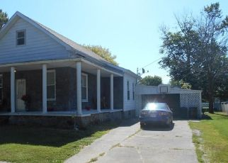 Pre Foreclosure in Marshall 62441 HICKORY ST - Property ID: 1616768472