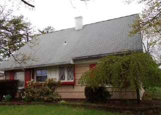 Pre Foreclosure in Levittown 19056 TERRACE RD - Property ID: 1621250246