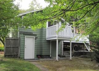 Pre Foreclosure in Lynn 01904 SAUNDERS RD - Property ID: 1624532432