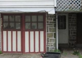 Pre Foreclosure in Upper Darby 19082 LAMPORT RD - Property ID: 1624555200