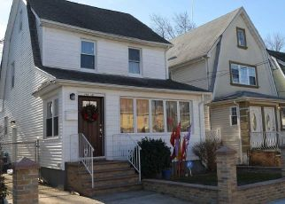 Pre Foreclosure in Saint Albans 11412 113TH RD - Property ID: 1624624403