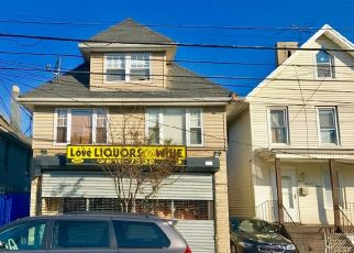 Pre Foreclosure in Staten Island 10310 HENDERSON AVE - Property ID: 1624807482
