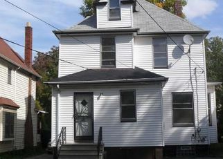 Pre Foreclosure in Cleveland 44112 KNOWLES ST - Property ID: 1625068514