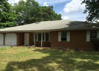 Pre Foreclosure in West Babylon 11704 BROOKLYN AVE - Property ID: 1625260792