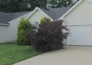 Pre Foreclosure in Olmsted Falls 44138 WAYSIDE DR - Property ID: 1625466187