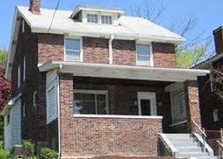 Pre Foreclosure in Pittsburgh 15226 WOODBOURNE AVE - Property ID: 1625611158