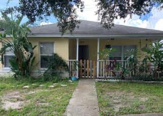 Pre Foreclosure in Tampa 33615 RIPKEN LN - Property ID: 1625737291