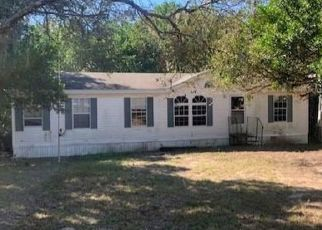Pre Foreclosure in Brooksville 34613 COUNTRY RD - Property ID: 1625933961