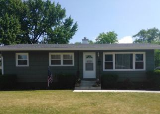 Pre Foreclosure in Thornton 60476 MOHAWK DR - Property ID: 1626135869