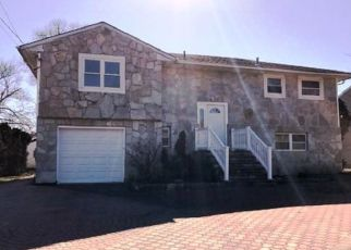 Pre Foreclosure in Massapequa 11758 MARSHALL ST - Property ID: 1627154586
