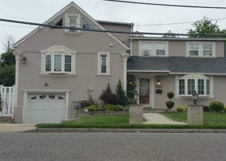 Pre Foreclosure in Woodmere 11598 S END - Property ID: 1627926288
