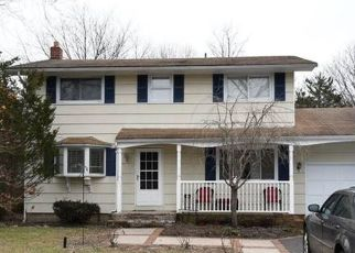 Pre Foreclosure in Patchogue 11772 BAYVIEW AVE - Property ID: 1628102357