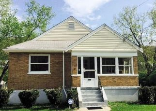 Pre Foreclosure in Cincinnati 45223 W FORK RD - Property ID: 1628221489
