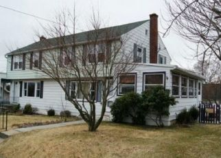 Pre Foreclosure in Reading 19607 MEADE ST - Property ID: 1628411571