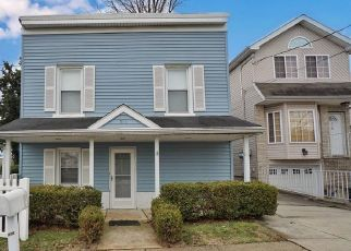 Pre Foreclosure in Staten Island 10314 W CASWELL AVE - Property ID: 1628955533