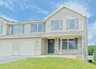 Pre Foreclosure in Reading 19608 ONEIDA DR - Property ID: 1628986632