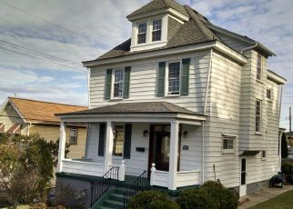 Pre Foreclosure in Coraopolis 15108 GEORGE ST - Property ID: 1629820535