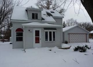Pre Foreclosure in Stoughton 53589 N PAGE ST - Property ID: 1630112663