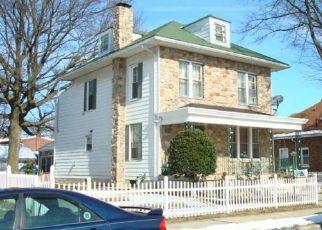Pre Foreclosure in Reading 19605 ALTON AVE - Property ID: 1630346989