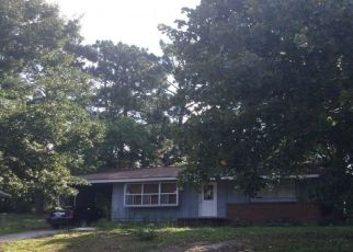 Pre Foreclosure in Fayetteville 28304 GLENWICK DR - Property ID: 1631143206