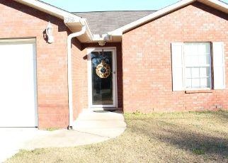 Pre Foreclosure in Milton 32570 PERSIMMON LN - Property ID: 1631197976