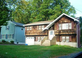 Pre Foreclosure in Sewaren 07077 WEST AVE - Property ID: 1631346433