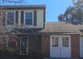 Pre Foreclosure in Williamstown 08094 DEBRA DR - Property ID: 1631368777