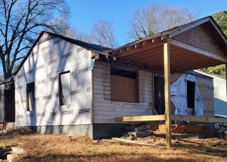 Pre Foreclosure in Atlanta 30318 CENTER HILL AVE NW - Property ID: 1632211430