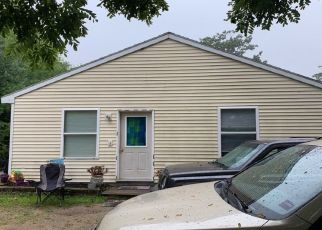 Pre Foreclosure in Limington 04049 TOWN FARM RD - Property ID: 1633121540